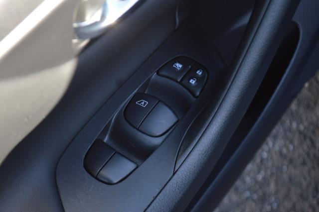 2017 Nissan Altima 2.5 SV 23