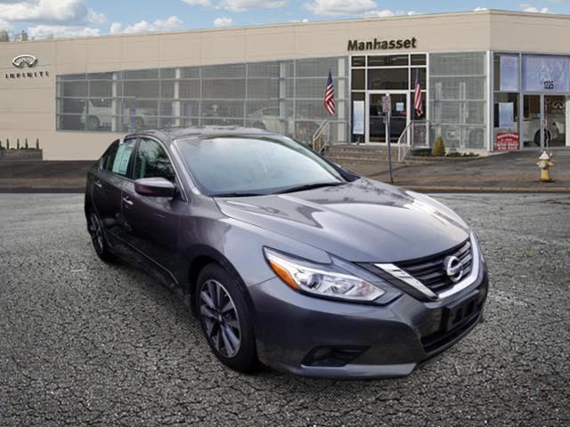 2017 Nissan Altima 2.5 SV [1]