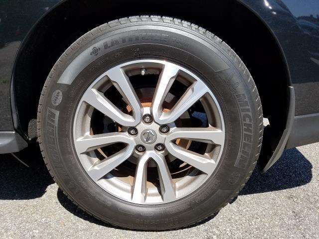 2016 Nissan Pathfinder SL 7