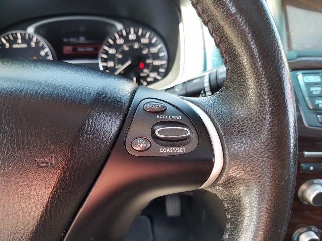 2016 Nissan Pathfinder SL 16