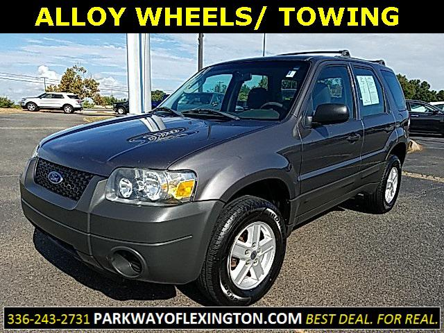2005 Ford Escape XLS 4D Sport Utility Slide