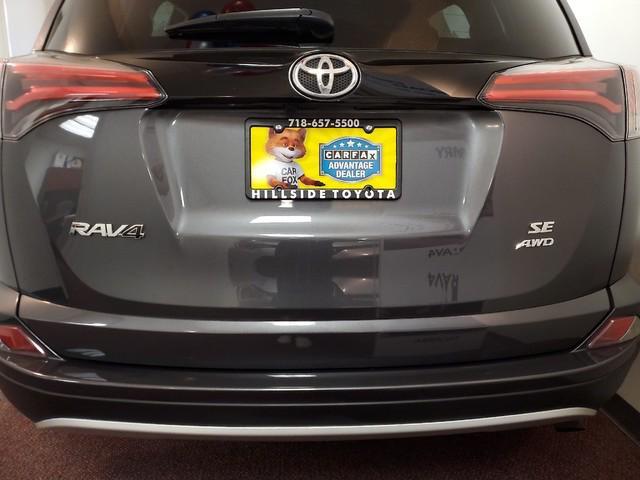 2016 Toyota Rav4 SE 2