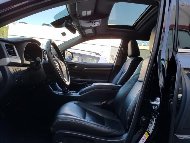 2017 Toyota Highlander Limited 11