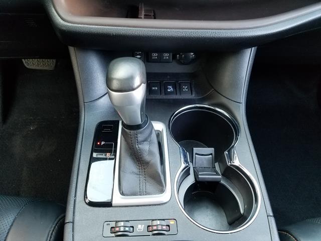 2017 Toyota Highlander Limited 24