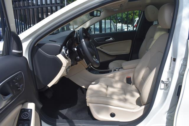 2016 Mercedes-Benz Gla GLA 250 11