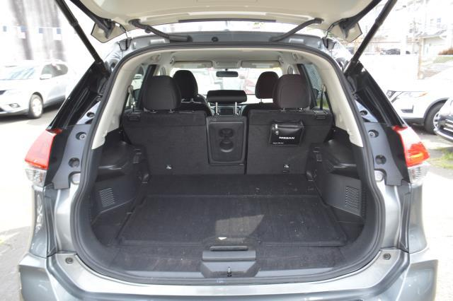 2018 Nissan Rogue SV 7