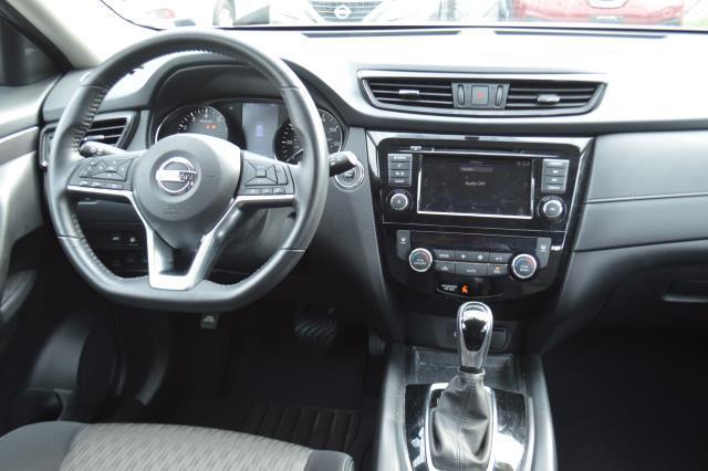 2018 Nissan Rogue SV 14