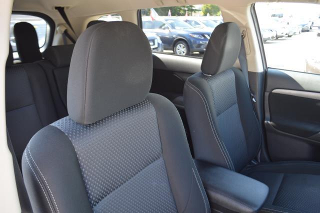 2016 Mitsubishi Outlander SE 16
