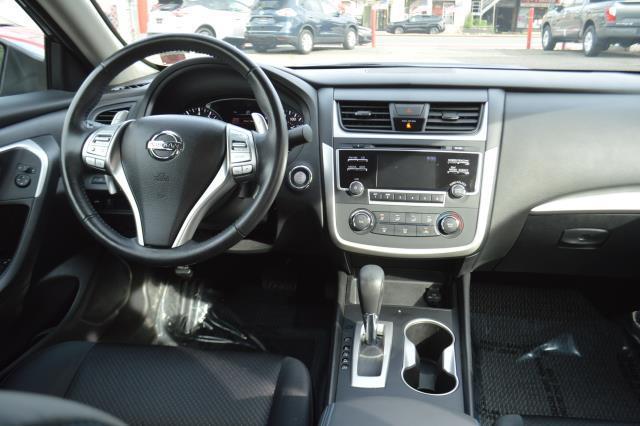 2017 Nissan Altima 2.5 SR 17