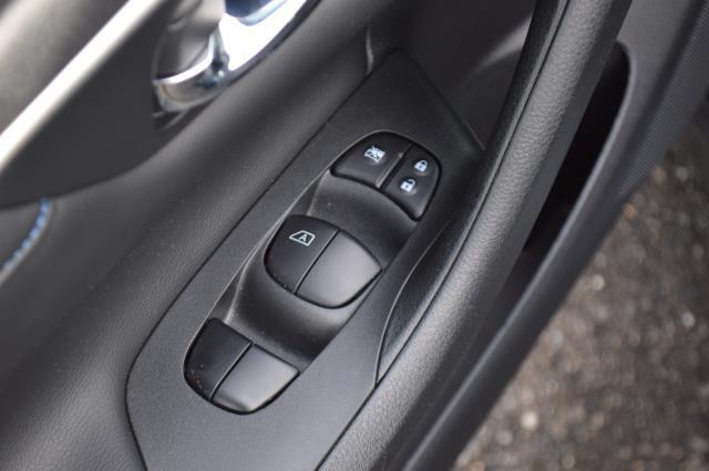 2017 Nissan Altima 2.5 SR 18