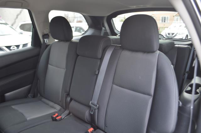 2017 Nissan Pathfinder S 7