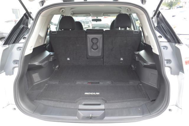 2016 Nissan Rogue S 11