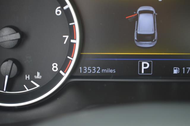 2017 Nissan Murano SL 27