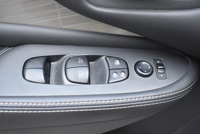 2016 Nissan Murano S 13