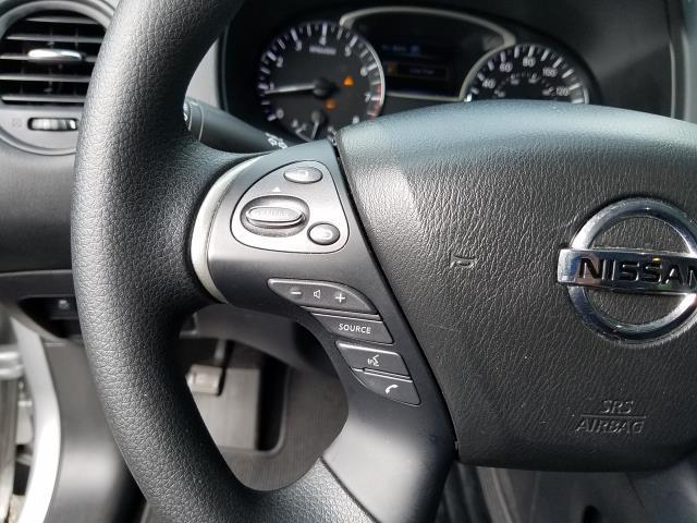 2017 Nissan Pathfinder S 15