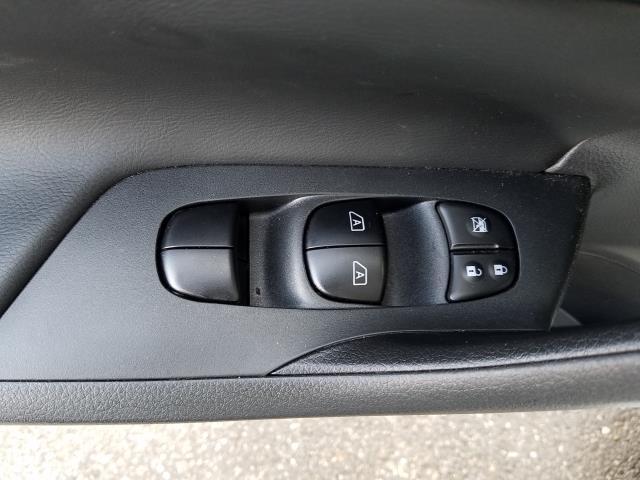 2017 Nissan Altima 2.5 SV 12