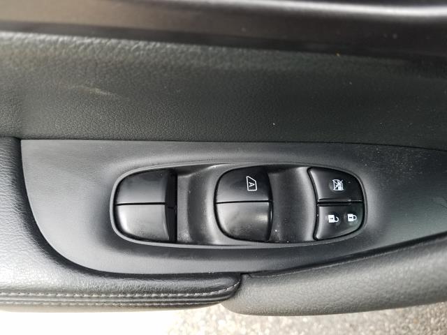 2016 Nissan Rogue AWD 4dr SV 16