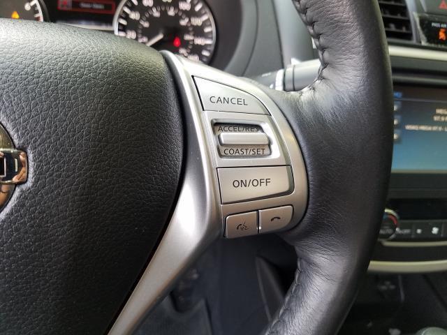 2017 Nissan Altima 2.5 SV Sedan 18