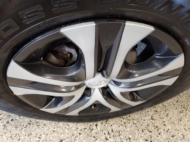 2017 Toyota Rav4 LE 8