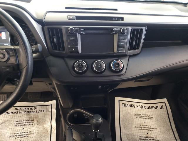 2017 Toyota Rav4 LE 11