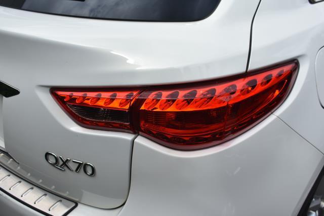 2016 INFINITI QX70 AWD 4dr 5