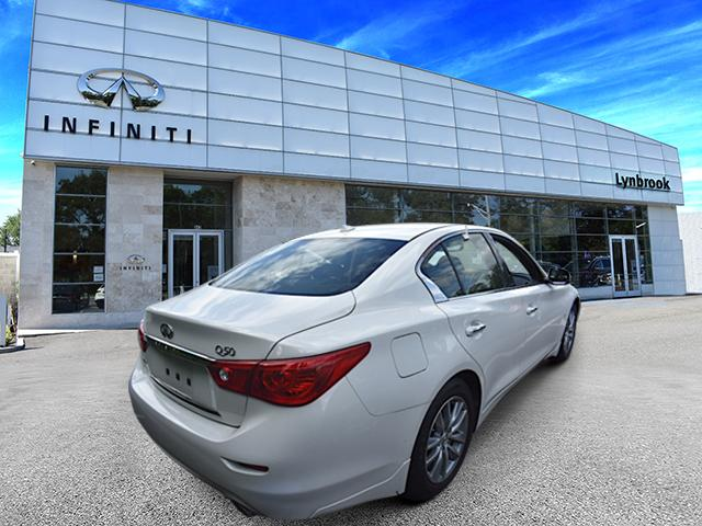 2015 INFINITI Q50 Premium 4