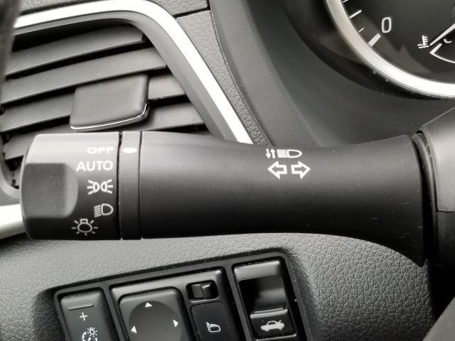 2016 Nissan Sentra 4dr Sdn I4 CVT SV 27