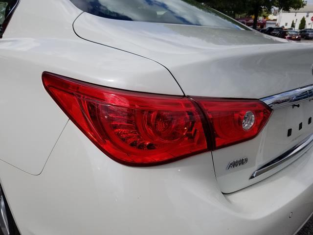 2016 INFINITI Q50 4dr Sdn 2.0t Premium AWD 8
