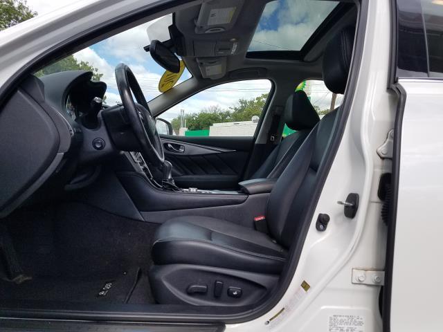 2016 INFINITI Q50 4dr Sdn 2.0t Premium AWD 11