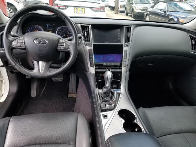 2016 INFINITI Q50 4dr Sdn 2.0t Premium AWD 13