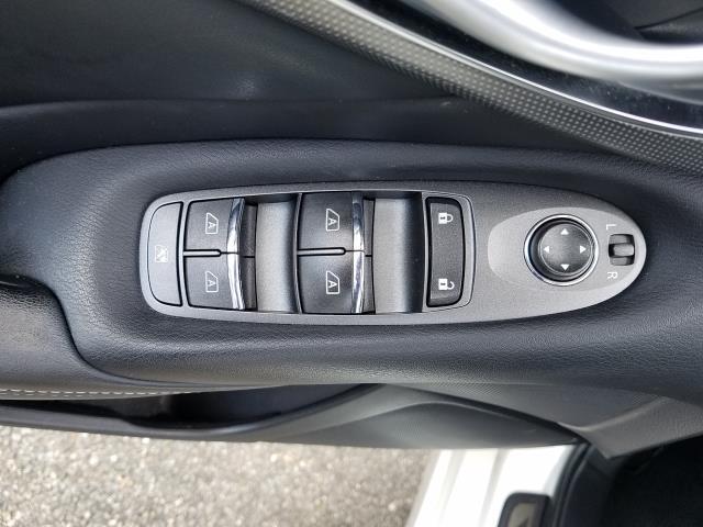 2016 INFINITI Q50 4dr Sdn 2.0t Premium AWD 15