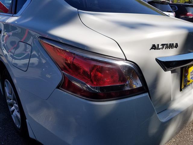 2015 Nissan Altima 4dr Sdn I4 2.5 S 10