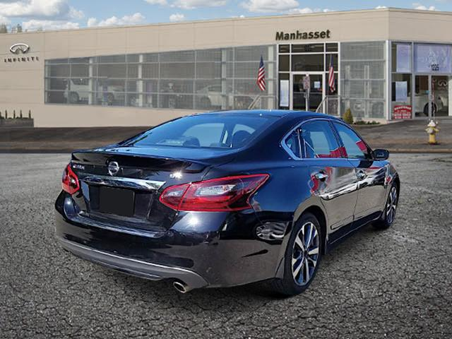 2017 Nissan Altima 2.5 SR Sedan 3