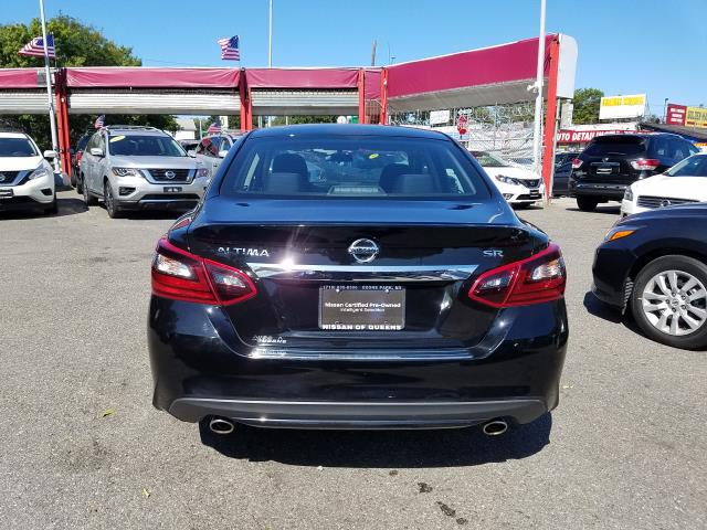 2017 Nissan Altima 2.5 SR Sedan 5