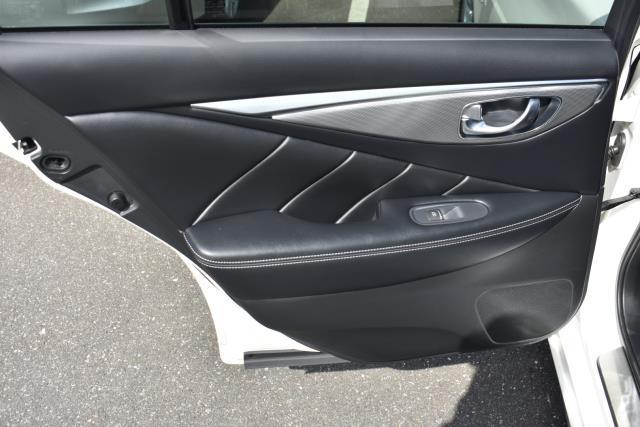 2017 INFINITI Q50 3.0t Premium AWD 10