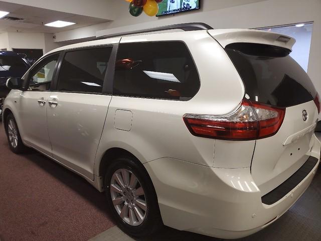 2017 Toyota Sienna XLE Premium 5