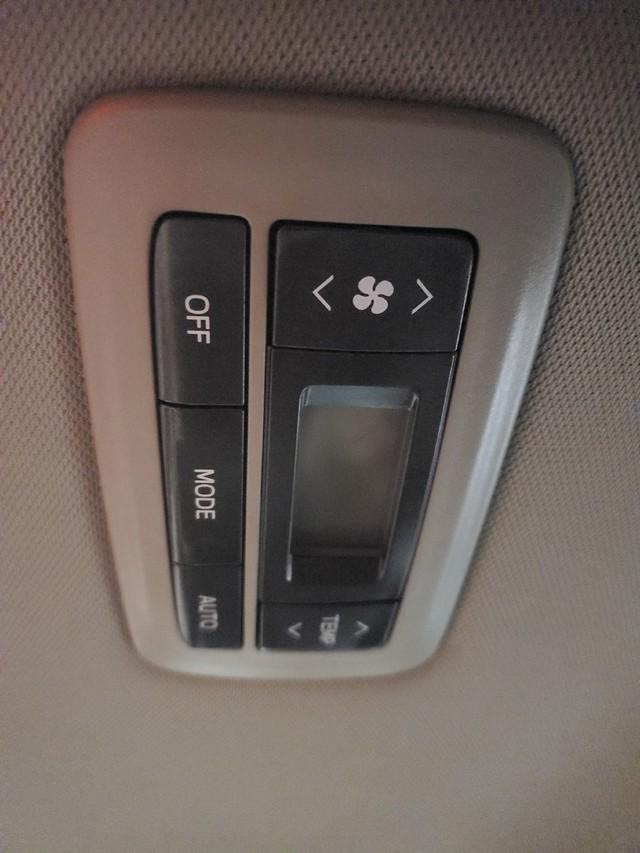 2017 Toyota Sienna XLE Premium 35