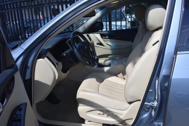2016 INFINITI QX50 AWD 4dr 10