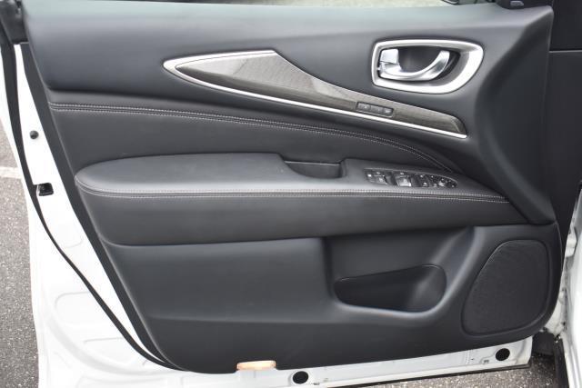 2019 INFINITI QX60 LUXE AWD 12