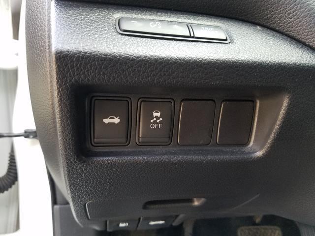 2016 Nissan Altima 2.5 SV 19