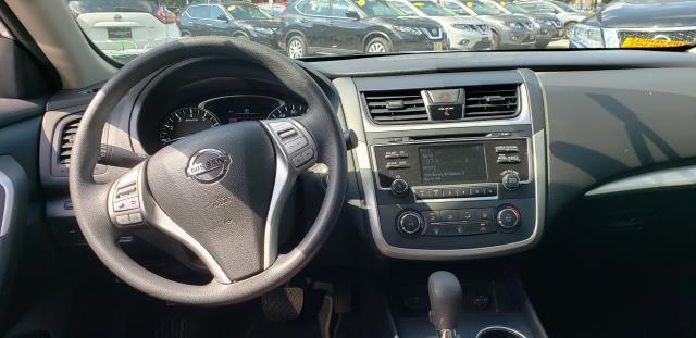 2017 Nissan Altima 2.5 S Sedan 9
