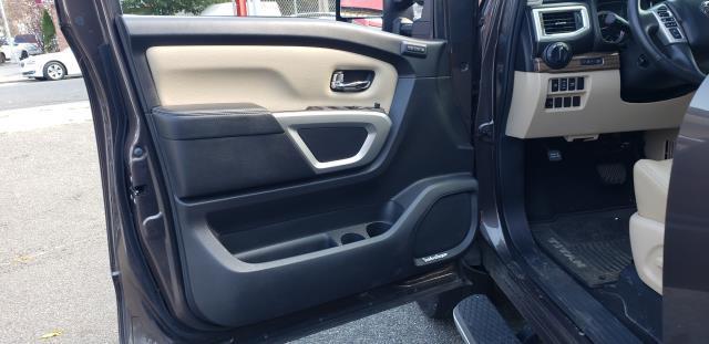 2016 Nissan Titan Xd 4WD Crew Cab SL Diesel 16