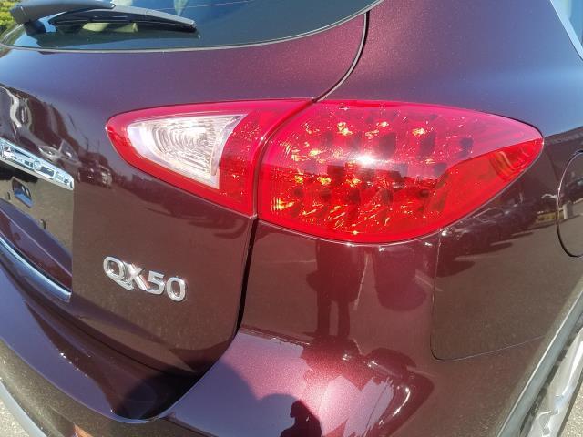 2017 INFINITI QX50 AWD 10