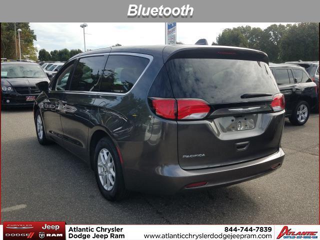 2017 Chrysler Pacifica TOURING Mini-van, Passenger Huntington NY