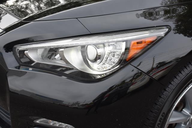 2015 INFINITI Q50 4dr Sdn Premium AWD 10