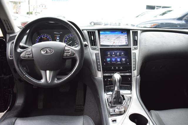 2015 INFINITI Q50 4dr Sdn Premium AWD 16