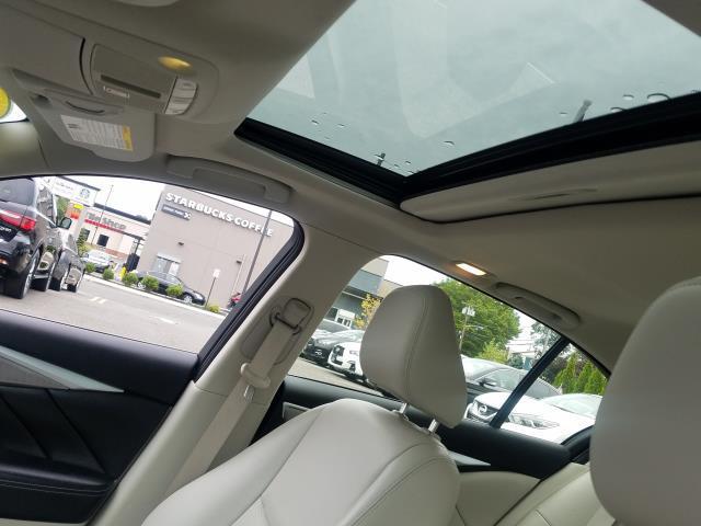 2015 INFINITI Q50 4dr Sdn Premium AWD 14
