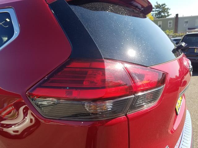 2017 Nissan Rogue AWD SL 9