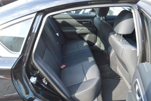 2016 Nissan Altima 4dr Sdn I4 2.5 SV 14