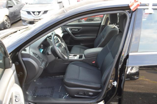 2016 Nissan Altima 2.5 SV 8